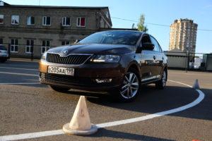 Автомобиль для обучения вождению